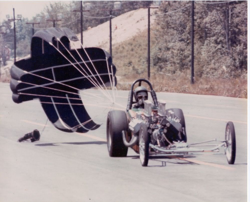 Jim Mahan in The Hard Guys A/FDwith the chute out at New England Dragway